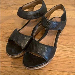 Clark's platform sandal